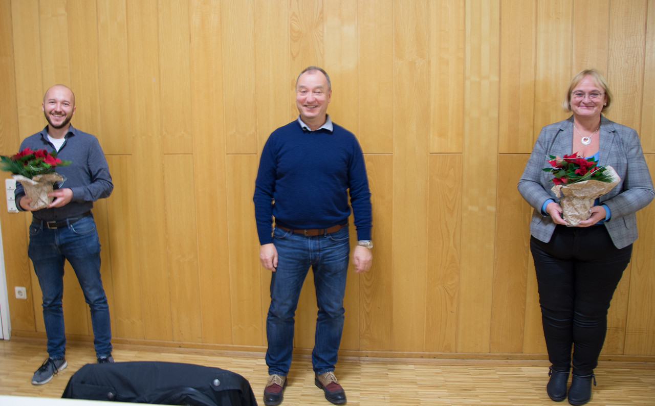 Die Spitzenkandidaten der SPD Schenklengsfeld sind (v. l.): René Petzold, der Ortsvereinsvorsitzende Gunter Müller und Nora Mannel. - Foto: Hesse